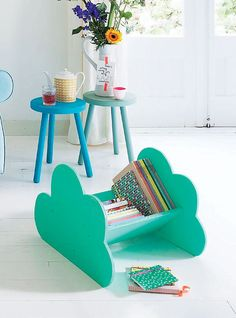 DIY cloud book shelf. Cute