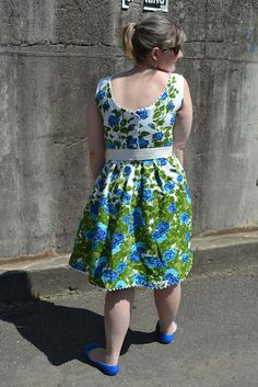 Erika Made It: Blue Rose party dress