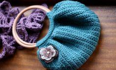 Resultados de la Búsqueda de imágenes de Google de http://www.lasmanualidades.com/wp-content/uploads/2010/09/carteras-tejidas-a-crochet-y-patron-para-hacerlas1.jpg