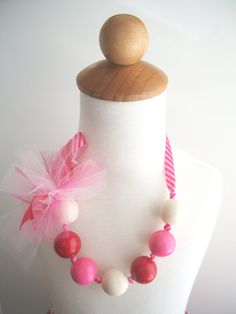 Bubble Gum Necklaces.  What a fun little craft!  My little girls went crazy for them.