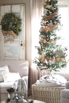 Honeycomb Creative Co.: Our Christmas Living Room- Part 2
