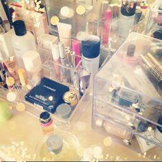 .makeup organizers