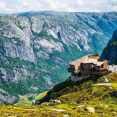 Norway's amazing scenery. Photo courtesy of brianthio on Instagram.