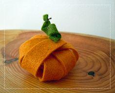 Lil' Felt Pumpkin
