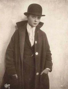 Olive Thomas - (1910s)  Photo:  Napoleon Sarony model, silent film, suit, films, ziegfeld folli, oliv thoma, olives, hat, actresses
