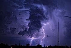 Thunderstorm outside Sierra Vista, Arizona. (by Eye of the Storm Photography)