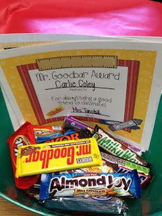 Totally LOVE these candy bar awards.  My kids went crazy for them last year and I'm on the hunt for 'sale' candy bars for this year's class.