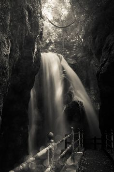 Nakatsu Gorge, Japan
