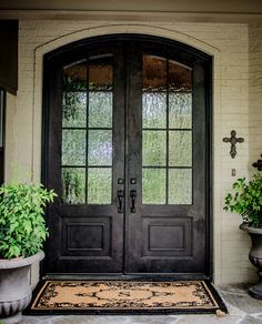 Double doors front entrance. My dream!