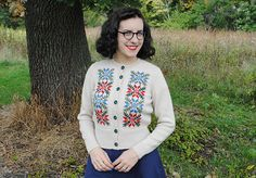 Hedy Tyrolean cardigan | By Gum, By Golly #vintage #knitting #fall #fashion