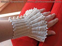 MILADY Vintage Wristlet Cuff