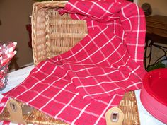 Close up view of picnic basket made ready for the buns!