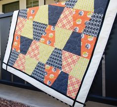 Charley, Dee, & Me: Yellow, Gray, & Orange Tumbler Quilt tumblers, sew project, quiltstumbl quilt, oranges, orang tumbler, modern quilt, gray yellow, tumbler quilt