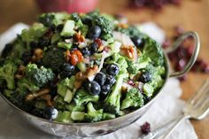Tired of green leaf lettuce and tomatoes?Try this broccoli saladfromThe Roasted Root instead! Dressed in a yogurt-lemon sauce and topped with honey toasted walnuts, this salad ischock-full of ...