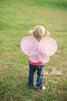 I think these #Crochet Butterfly Wings are just so neat. You can make them for a child to play with or use them as a Halloween costume. So neat!