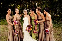 Love the bridemaids' dresses and special color for the MoH