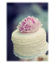 mini cake, little cakes, flower cakes, simple cakes, ruffle cake