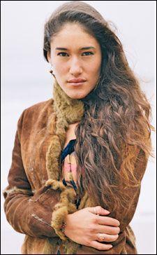 Native American actress, model, and activist Q'orianka Kilcher. A natural beauty.