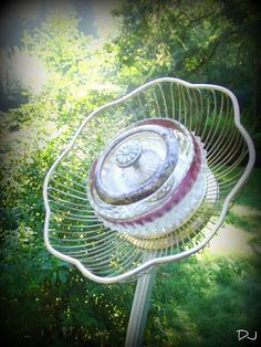 Spittin Toad: Garden Art from Up-cycled Dishes