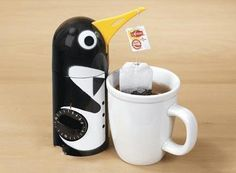 Let this penguin to tell you when to remove tea bag