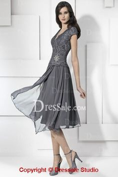 Short-sleeve Chiffon and Lace Bridesmaid Wear with V-Neckline