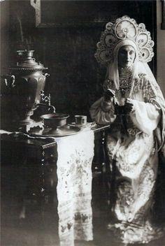 ukranianrussiananna karenina, russian gown, tradit russian, russian costum, traditional dresses, gowns, art, tea, anna pavlova
