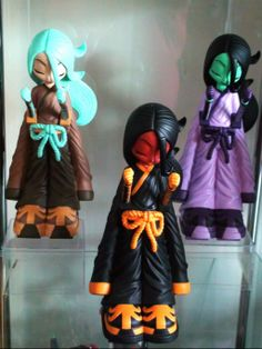 Erick Scarecrow's Kissaki, with the Gothic Geisha front and center