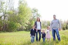 Family photo outfit idea. Love the layers on everybody, and the solid colors & texture!