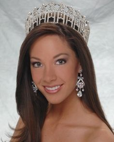 Tonight's episode (1-18-2012) of Modern Family will feature Micaela Johnson, Miss Nebraska USA 2008.  She appears as a beautiful bride and Lily is the flower girl.  Congrats Micaela 4 being cast on such a great show :)