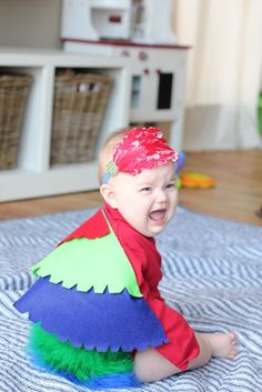 No-sew parrot costume tutorial - how CUTE would this be for the little brother or little sister to wear at a pirate party?!