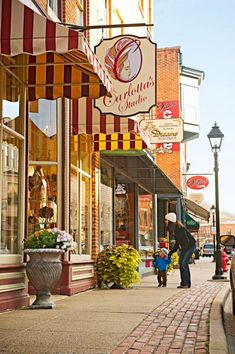 Why do you LOVE #Galena? @Anne Langendorfer Living has seven reasons to fall in love with the quaint river town, again! @Galen Brewer Illinois