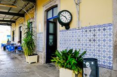 azulejos (Pocinho, Portugal) Azulejos Along The Douro Railway Posted on August 25, 2014 by Gail Aguiar (Gail at Large)