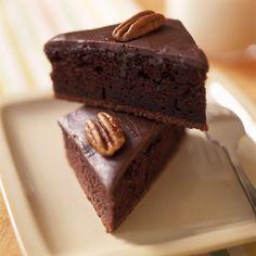 Recipe: Denver chocolate sheet cake || Photo: Daniel J. van Ackere for The New York Times