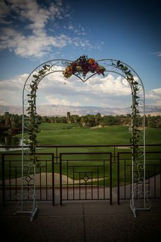 Real Wedding ♥ Jamie and Phil ♥ Outdoor ceremony #golfcoursewedding #outdoorwedding #outdoorceremony #desertwedding #californiawedding #palmspringswedding #palmdesertwedding #southerncaliforniawedding