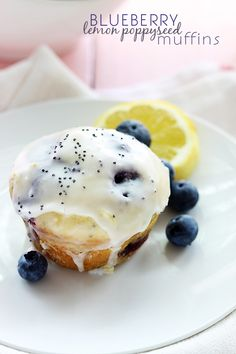 cupcak, blueberri lemon, breakfast, bread, bake, delici, blueberries, poppyse muffin, lemon poppyse
