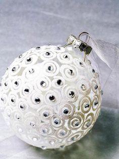 "White ""diamond"" wedding favor ornament.  DIY Tutorial."
