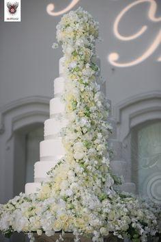 9-tiered extravagant wedding cake . . .