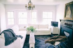 Houzz Tour: A Family Chooses the Simple Life - farmhouse - Living Room - San Francisco - Michelle Pattee