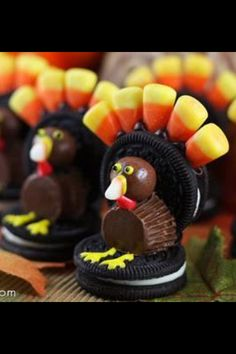 thanksgiving cookies, candies, a treat to eat, oreo, thanksgiving recipes, thanksgiving cupcakes, cute holiday treats, thanksgiving desserts, thanksgiving treats