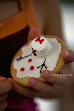 Snowman cookie recipe ideal for Christmas