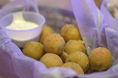 Want some homemade Texas Roadhouse Rattlesnake Bites? http://www.copycatrecipeguide.com/How_to_Make_Texas_Roadhouse_Rattlesnake_Bites