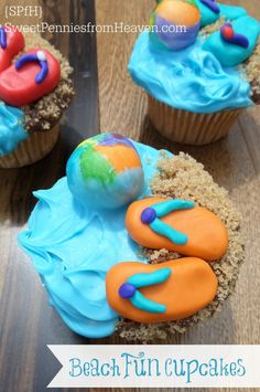 Summer Treats - Beach Fun Cupcakes! These are so fun to make, and even more fun to eat!