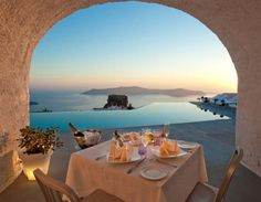 honeymoon, lunches, dinners, dinner parties, greece, place, table for two, santorini, hotels
