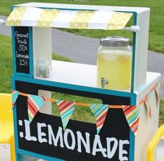 Clever use of an old desk to make a lemonade stand