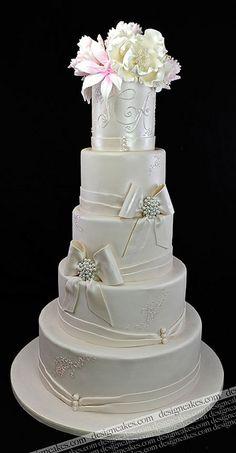 Designer wedding cake by Design Cakes, via Flickr