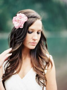 Real Flower Hairpiece DIY'd by the bride. See her wedding on SMP: http://www.StyleMePretty.com/2014/03/18/elegant-aspen-wedding-with-boho-flair/  Sarah Joelle Photography