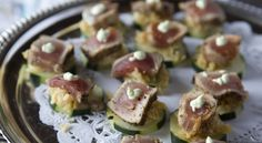 Chef Stephen Smith's Seared Ahi on Cucumber Hors D'oeuvres.