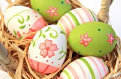 Make designer colored eggs this year !