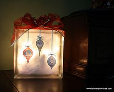 Christmas Lights - Glass Block made with the #Cricut