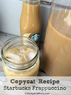 Forget the coffee house! We have an easy Copycat Starbucks Frappuccino Recipe for you with only 4 ingredients! Starbucks Copycat, Starbucks Coffee Recipe, Copycat Starbucks, Coffe Drinks, Coffee Cups, Starbucks Frappuccino Recipe, Black Coffee, Frappuccino Starbucks Recipe, Copycat Recipes